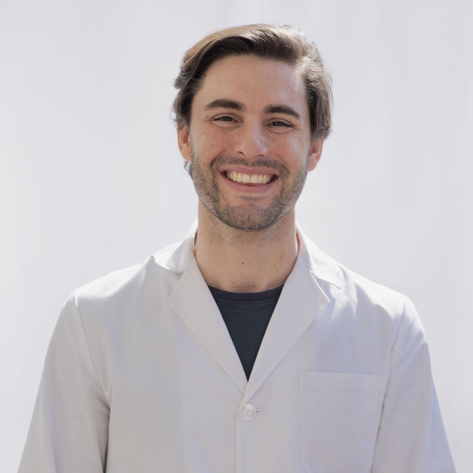 Dr. Ignacio Paradelo
